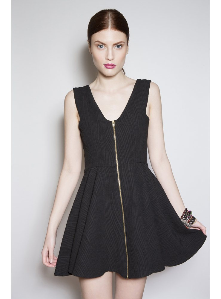 Liquorish Black V Neck skater dress – 10